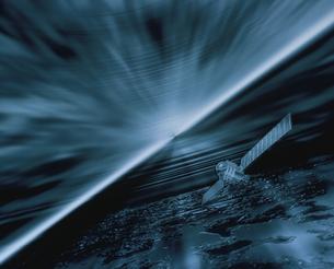 宇宙に漂う人工衛星イメージの写真素材 [FYI03180415]