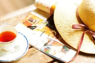 夏の避暑地のテーブルの写真素材 [FYI03182510]