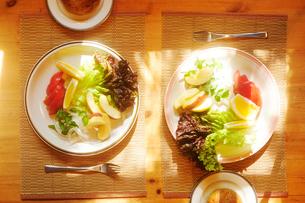 朝の食卓の写真素材 [FYI03182563]