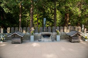 白虎隊士の墓の写真素材 [FYI03183008]