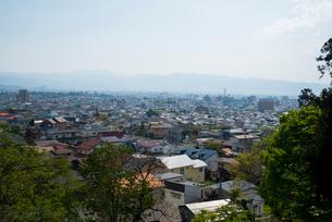 飯盛山から望む会津若松市の写真素材 [FYI03183024]