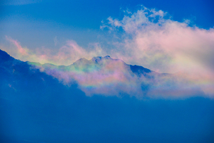 彩雲と八ヶ岳連峰の写真素材 [FYI03185186]
