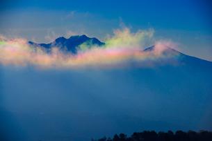 彩雲と八ヶ岳連峰の写真素材 [FYI03185189]