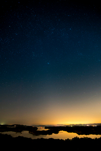 伊勢志摩 登茂山公園桐垣展望台より英虞湾と星空の写真素材 [FYI03185362]