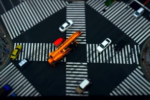 東急プラザ銀座テラスよりミニチュア風な数寄屋橋交差点の写真素材 [FYI03185511]