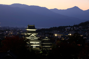 現存する日本最古の五重天守である松本城の写真素材 [FYI03185945]