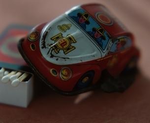 おもちゃの消防車の写真素材 [FYI03186137]