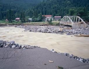 関川の豪雨災害   新潟県の写真素材 [FYI03187103]