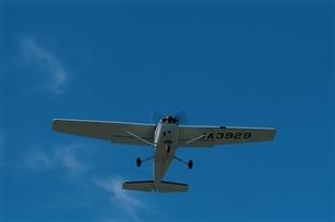飛び立つセスナの写真素材 [FYI03188151]