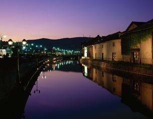 小樽運河の夕照  北海道の写真素材 [FYI03189702]