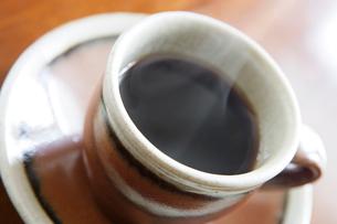 益子焼のコーヒーカップの写真素材 [FYI03190543]
