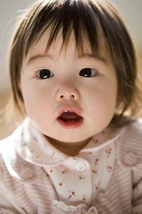 11ヶ月の女の赤ちゃんの写真素材 [FYI03190644]