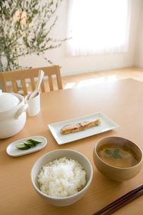 御飯と味噌汁の写真素材 [FYI03190667]