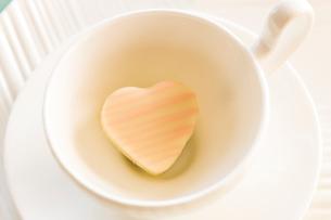 ハートのチョコレートの写真素材 [FYI03190754]