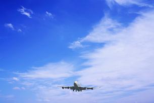 飛行機と空の写真素材 [FYI03191244]