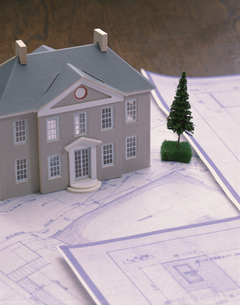 住宅模型と設計図面の写真素材 [FYI03191648]