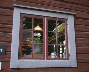家屋の窓の写真素材 [FYI03191907]