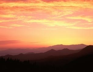 飯豊連峰の夕景    福島県の写真素材 [FYI03192321]