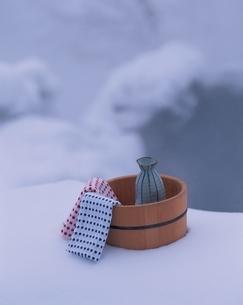 雪の露天風呂イメージの写真素材 [FYI03192394]