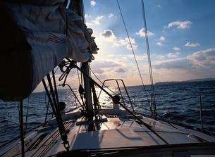 ヨットクルージングの写真素材 [FYI03192480]