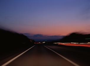 高速道を走る(東北道上り線)の写真素材 [FYI03192747]