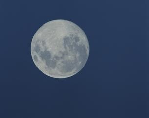 満月の写真素材 [FYI03192778]