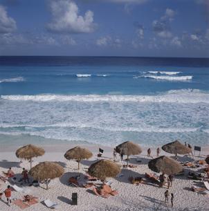 カンクンビーチ メキシコの写真素材 [FYI03193733]