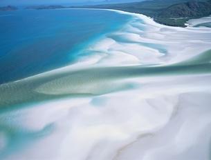 ホワイトヘブンビーチの風景 空撮 グレートバリアリーフの写真素材 [FYI03193778]