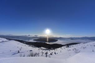 太陽柱の写真素材 [FYI03195900]