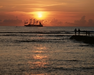サンセトオクルーズ ハワイの写真素材 [FYI03197163]