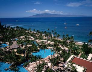 カアナパリビーチとラナイ島遠望の写真素材 [FYI03197514]