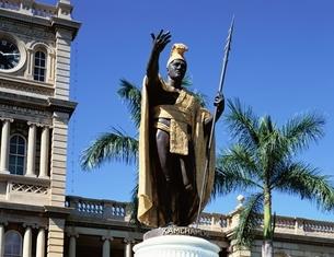 カメハメハ大王像  オアフ ハワイの写真素材 [FYI03197713]