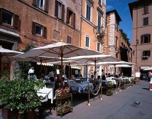 ロトンダ広場のカフェテラス   ローマ イタリアの写真素材 [FYI03197824]