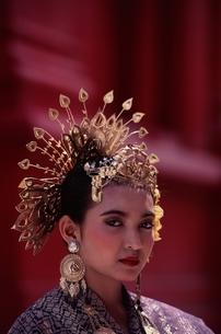 民族衣裳の女性      マレーシアの写真素材 [FYI03198086]