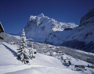 冬のヴェッターホルン グリンデルワルト スイスの写真素材 [FYI03198333]