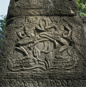 バンティアイクディ寺院のレリーフ カンボジアの写真素材 [FYI03199723]