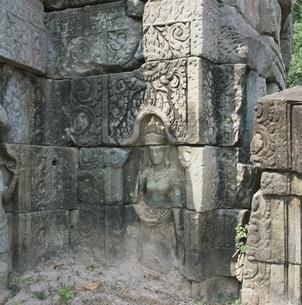 バンティアイスレイの壁面の彫像 カンボジアの写真素材 [FYI03199732]