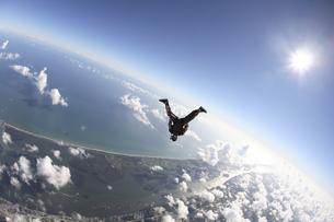 スカイダイビングの写真素材 [FYI03199802]