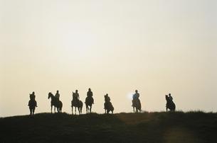 乗馬する人々の写真素材 [FYI03201168]