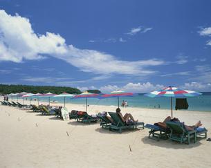カロンビーチ プーケット タイの写真素材 [FYI03202127]