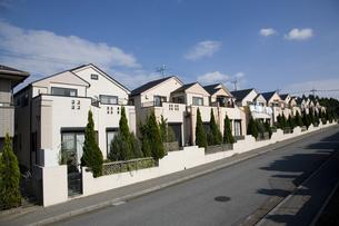 新興住宅地の町並みの写真素材 [FYI03202252]