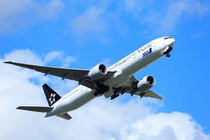 ジェット機 ANA  STAR ALLIANCEの写真素材 [FYI03202699]
