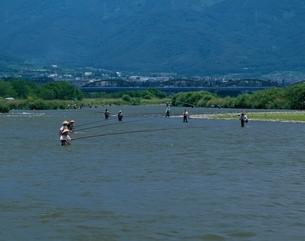 千曲川のアユ釣  長野県の写真素材 [FYI03203318]