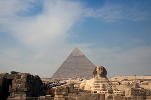 ピラミッドとスフィンクスの写真素材 [FYI03203569]