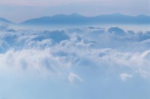 乗鞍岳の雲海 10月 長野県の写真素材 [FYI03203662]