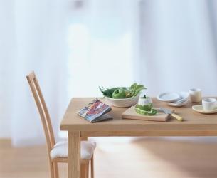 ミニチュアの調理中のテーブル クラフトの写真素材 [FYI03206342]