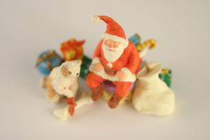 サンタクロースの人形 クラフトの写真素材 [FYI03206371]