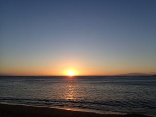 マウイの夕日とラナイ島の写真素材 [FYI03206992]