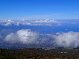 ハレアカラから見下ろす雲海の写真素材 [FYI03207028]