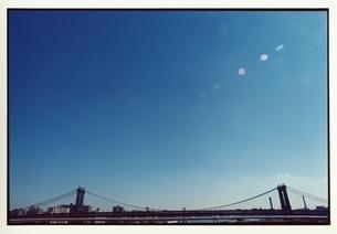 ニューヨークの橋と快晴の空 9月 アメリカの写真素材 [FYI03207292]